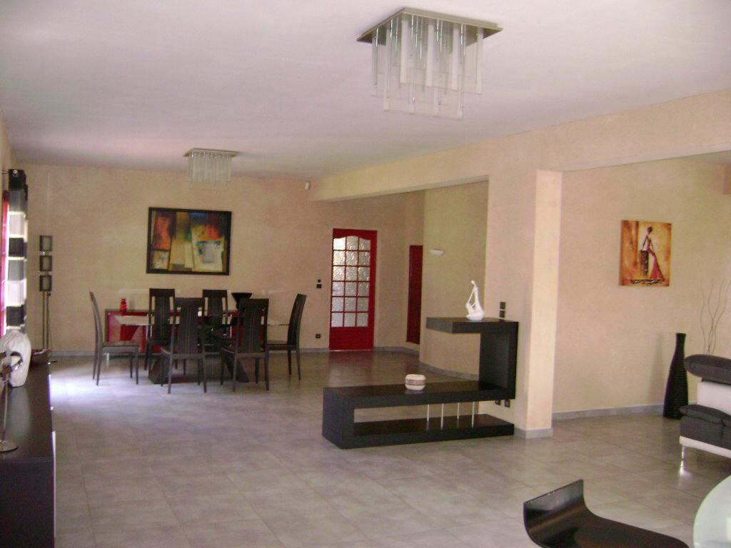 Maison à vendre 11 405m2 à Saint-Laurent-d'Arce vignette-6