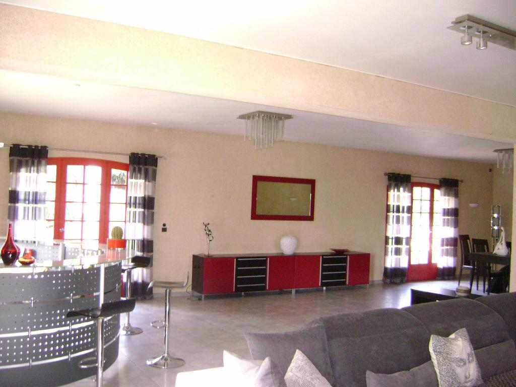 Maison à vendre 11 405m2 à Saint-Laurent-d'Arce vignette-7