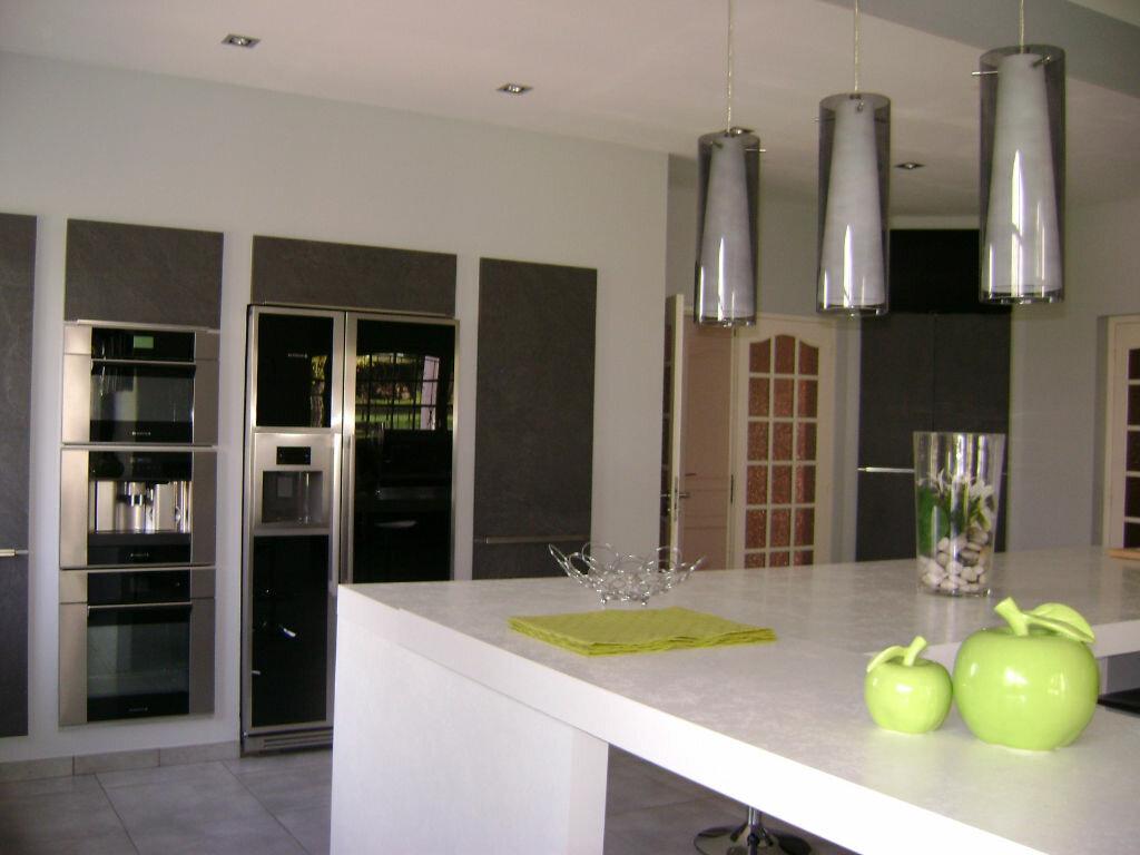 Maison à vendre 11 405m2 à Saint-Laurent-d'Arce vignette-8
