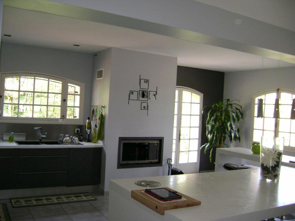 Maison à vendre 11 405m2 à Saint-Laurent-d'Arce vignette-9