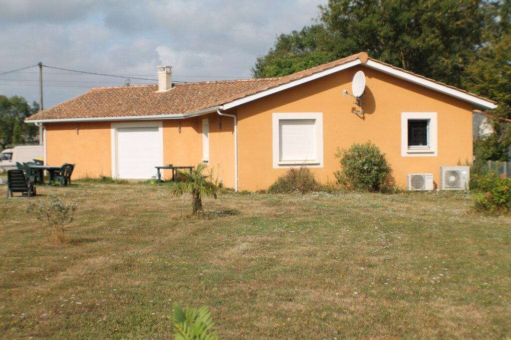 Maison à vendre 4 111.34m2 à Saint-Girons-d'Aiguevives vignette-1