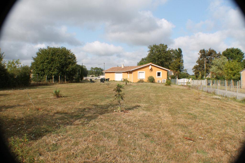 Maison à vendre 4 111.34m2 à Saint-Girons-d'Aiguevives vignette-2