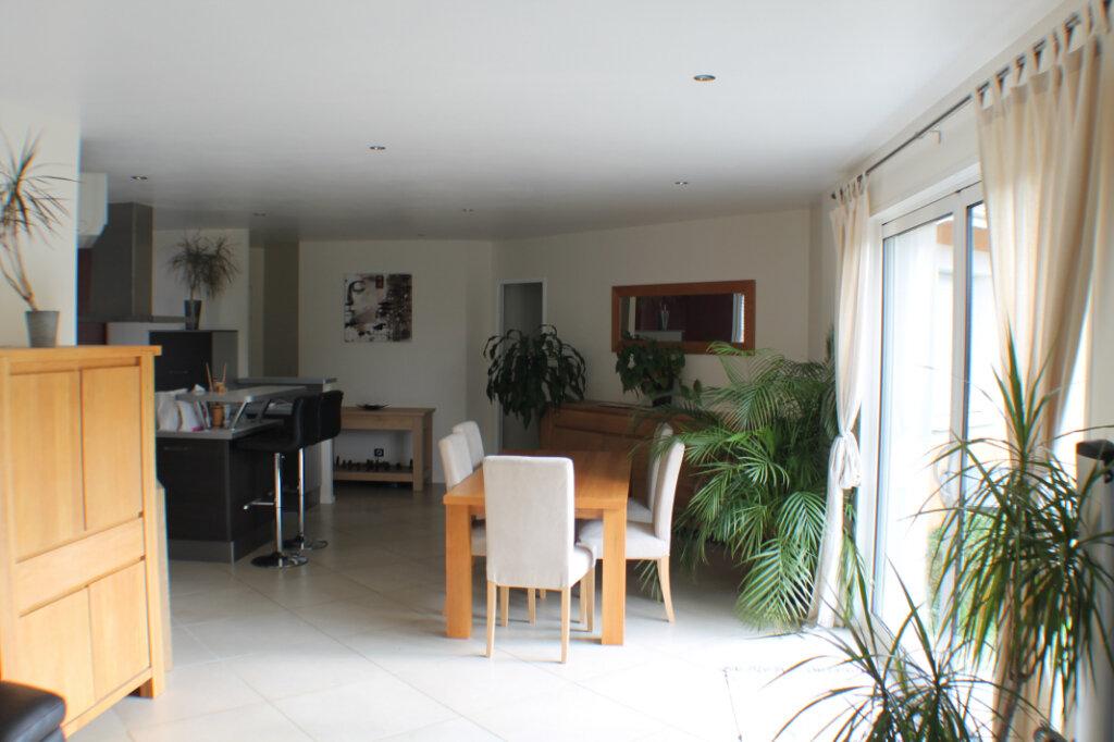 Maison à vendre 4 111.34m2 à Saint-Girons-d'Aiguevives vignette-4