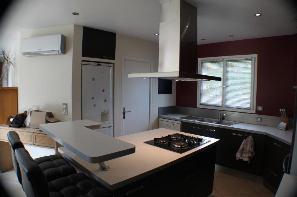 Maison à vendre 4 111.34m2 à Saint-Girons-d'Aiguevives vignette-6