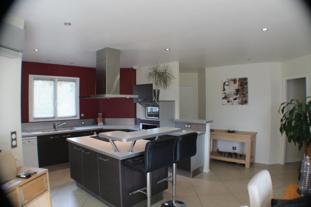 Maison à vendre 4 111.34m2 à Saint-Girons-d'Aiguevives vignette-7