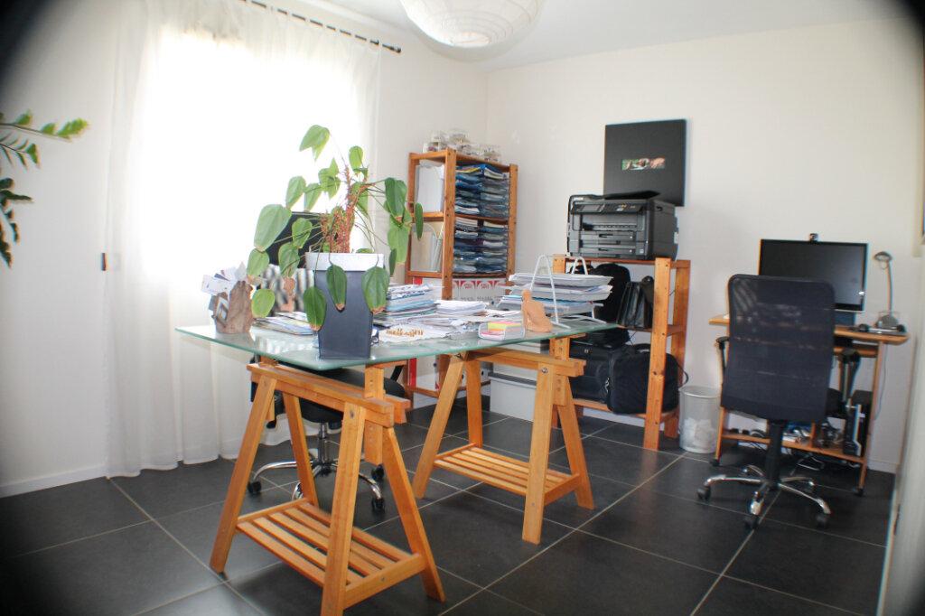 Maison à vendre 4 111.34m2 à Saint-Girons-d'Aiguevives vignette-8