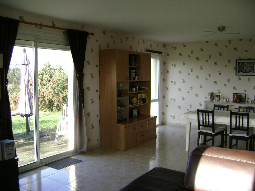Maison à vendre 10 231.17m2 à Pugnac vignette-7
