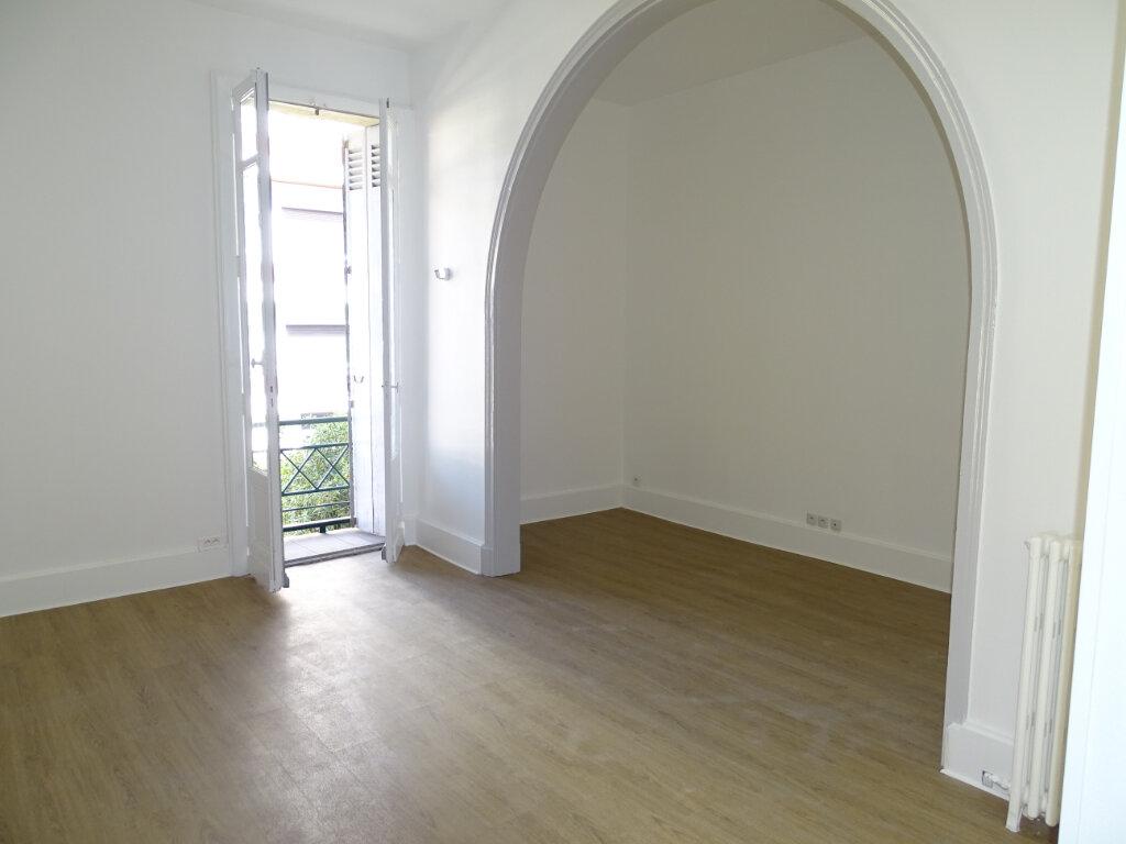 Appartement à louer 3 71.34m2 à Arcachon vignette-3