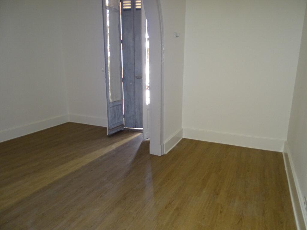 Appartement à louer 3 71.34m2 à Arcachon vignette-6
