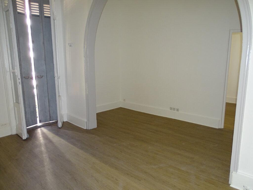 Appartement à louer 3 71.34m2 à Arcachon vignette-7
