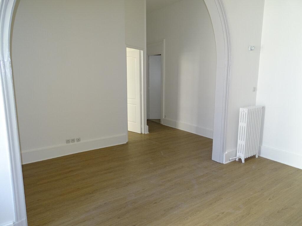 Appartement à louer 3 71.34m2 à Arcachon vignette-9