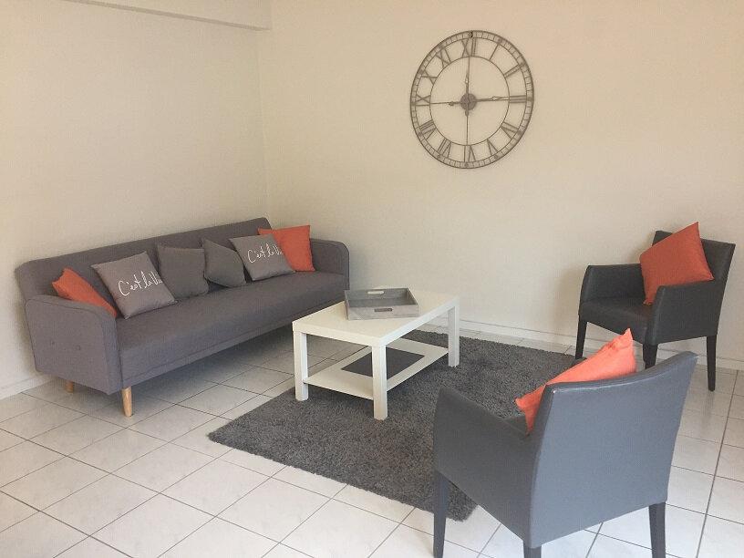 Appartement à louer 3 72.09m2 à Arcachon vignette-2