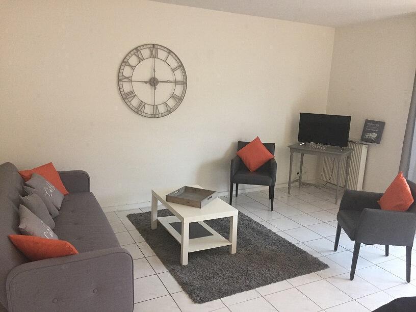 Appartement à louer 3 72.09m2 à Arcachon vignette-3