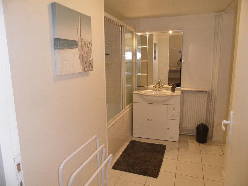 Appartement à louer 3 72.09m2 à Arcachon vignette-7