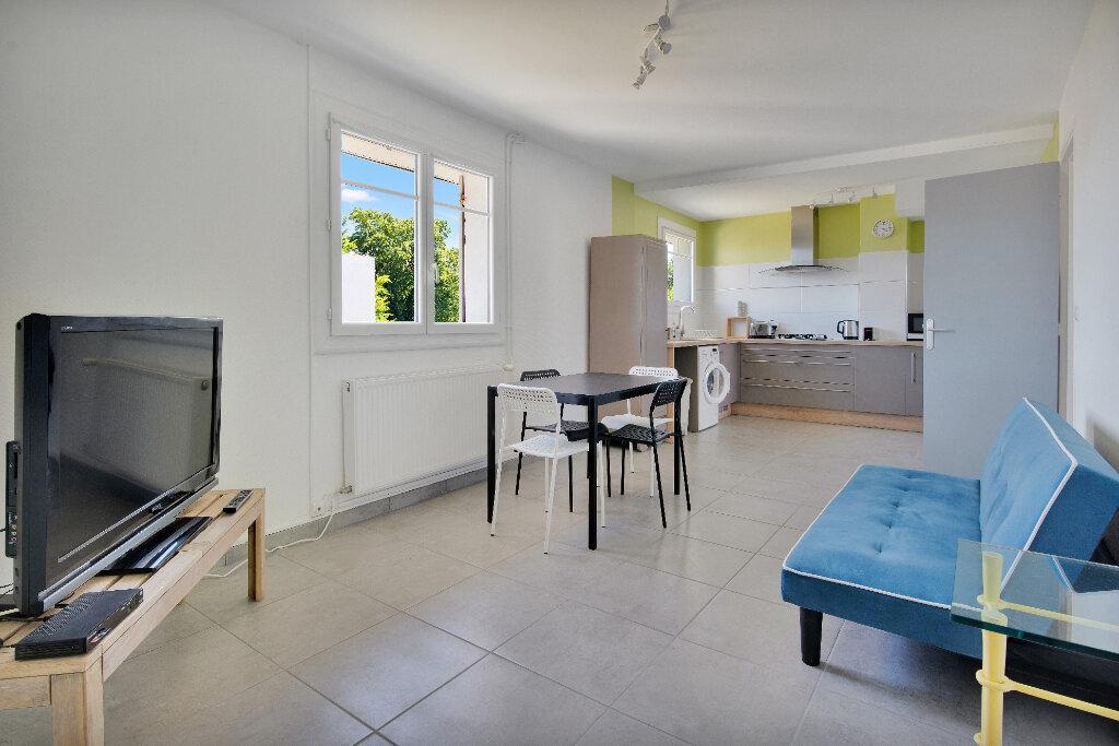 Appartement à louer 3 51.3m2 à La Teste-de-Buch vignette-1