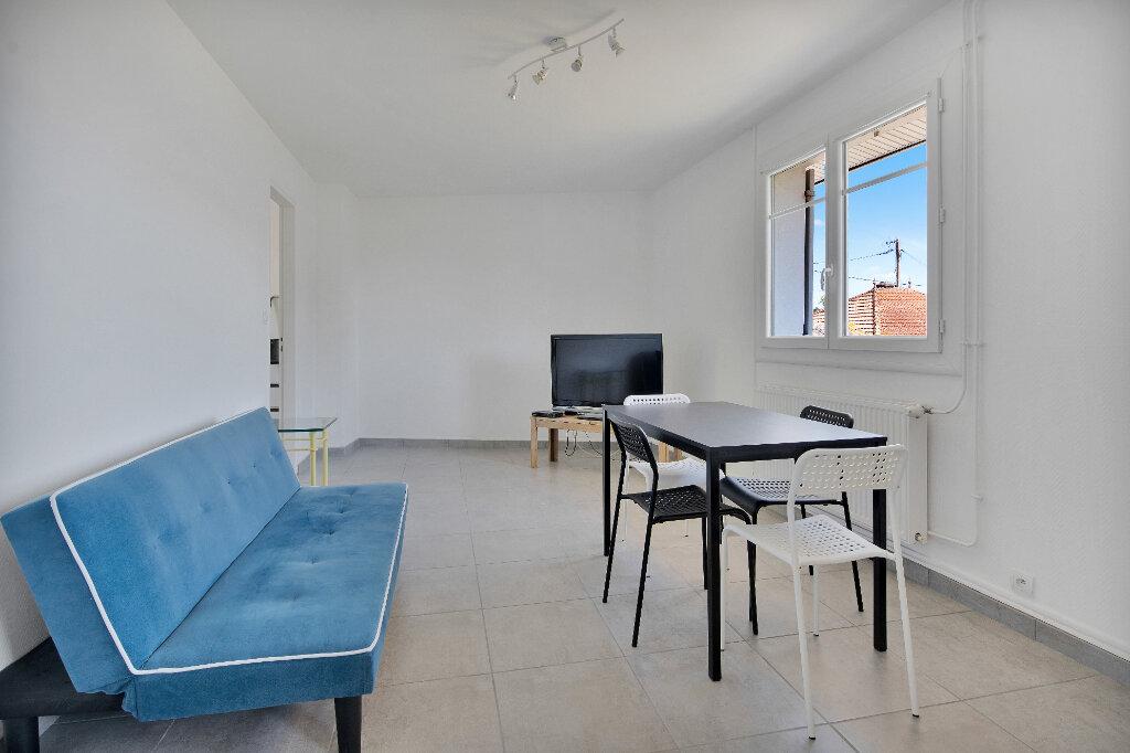 Appartement à louer 3 51.3m2 à La Teste-de-Buch vignette-3