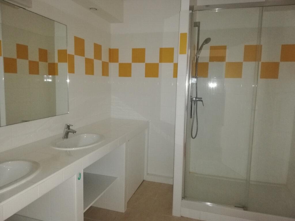 Appartement à louer 4 114.67m2 à Arcachon vignette-8