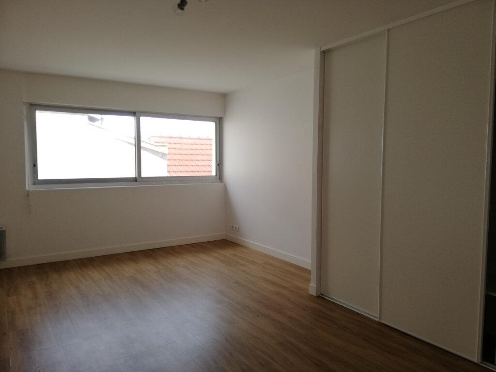 Appartement à louer 4 114.67m2 à Arcachon vignette-9