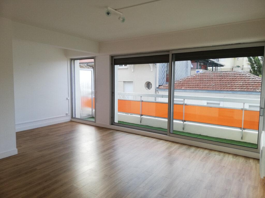 Appartement à louer 4 114.67m2 à Arcachon vignette-11