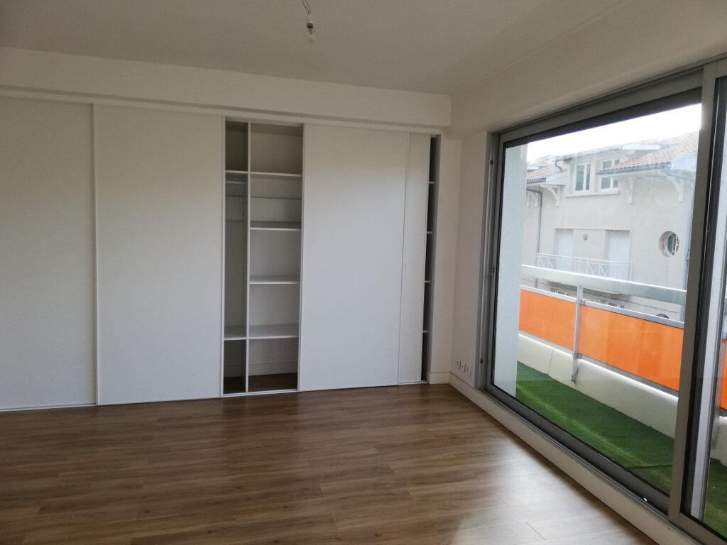 Appartement à louer 4 114.67m2 à Arcachon vignette-12