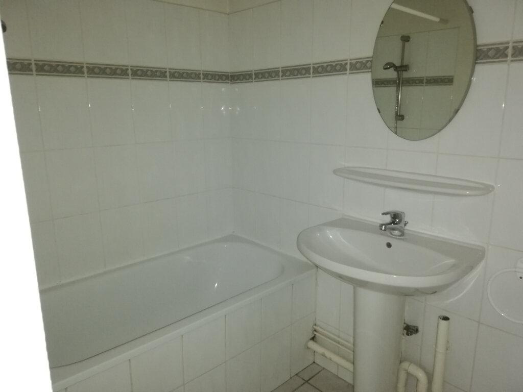 Appartement à louer 3 61m2 à La Teste-de-Buch vignette-3