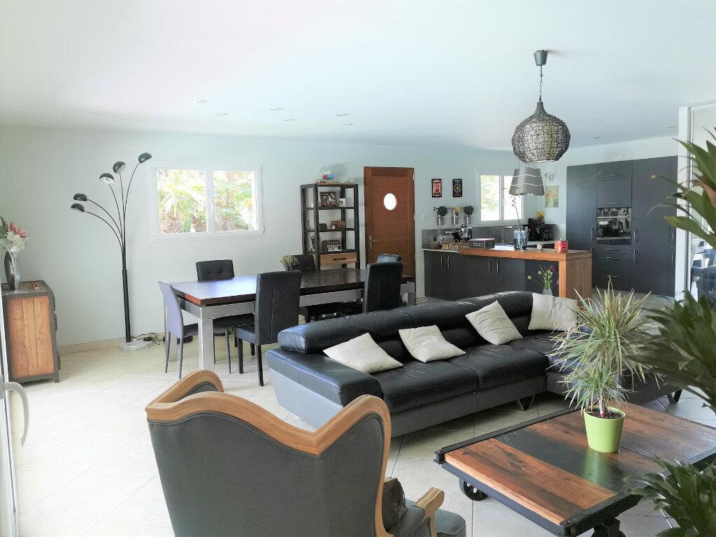 Maison à vendre 4 112m2 à Gujan-Mestras vignette-5