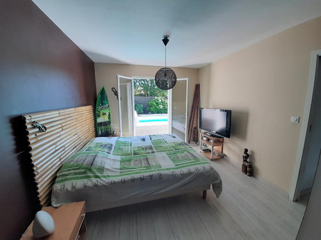 Maison à vendre 4 112m2 à Gujan-Mestras vignette-7