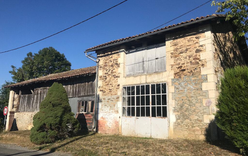 Maison à vendre 3 200m2 à Le Lindois vignette-2