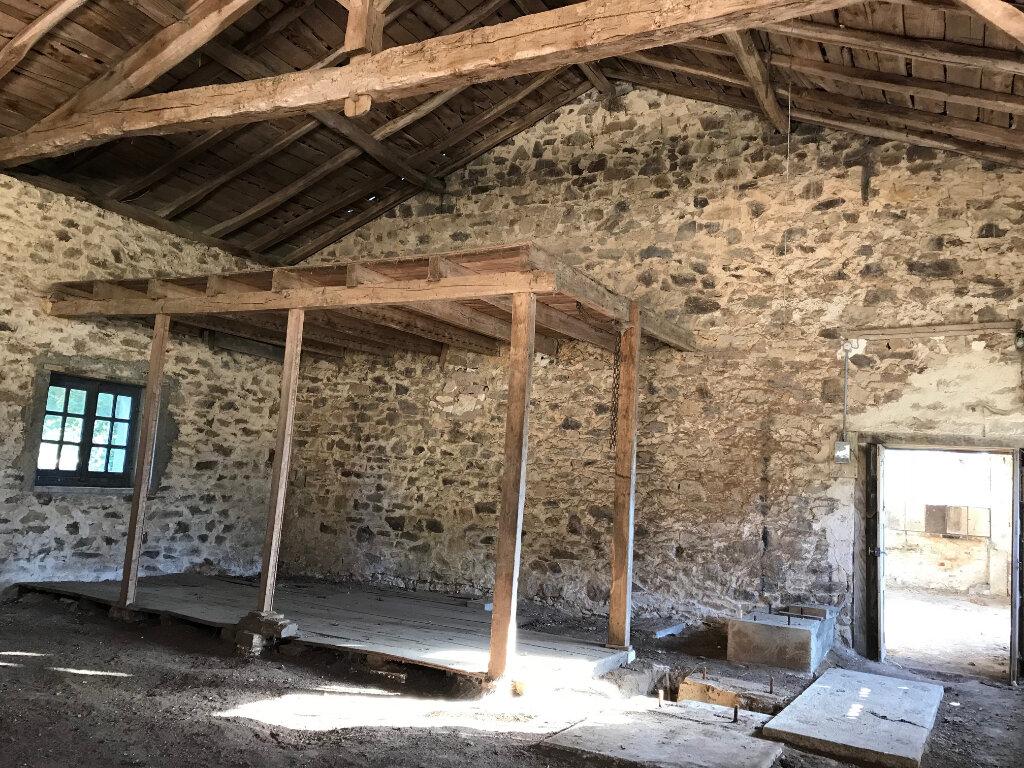 Maison à vendre 3 200m2 à Le Lindois vignette-5