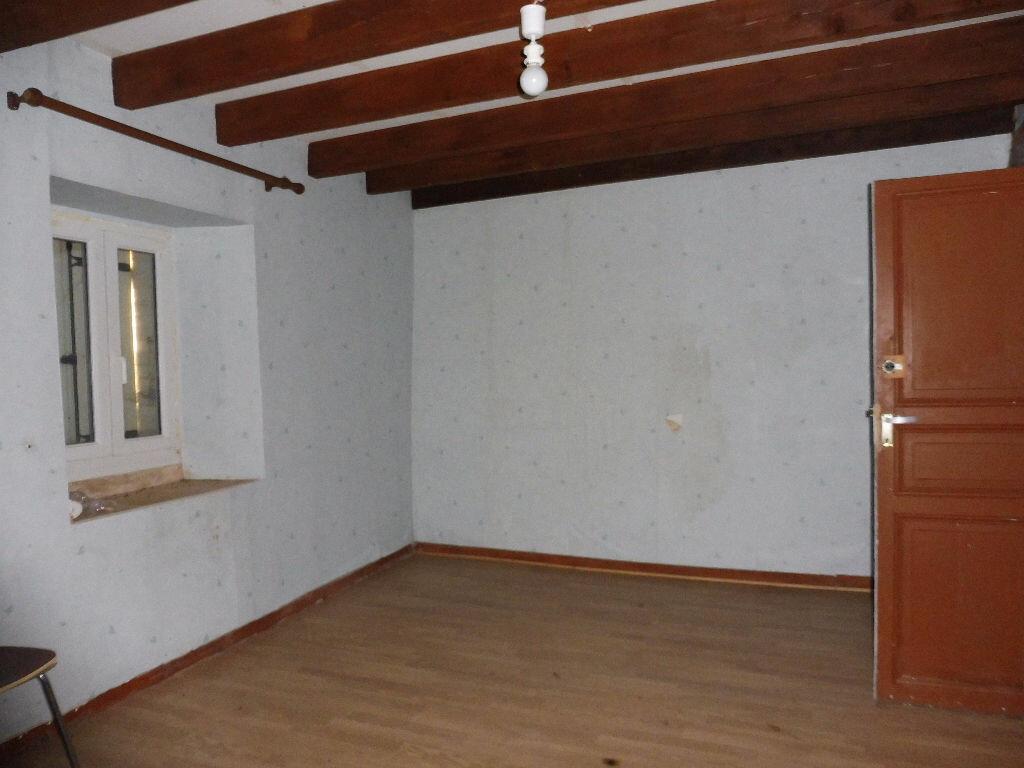 Maison à vendre 4 60m2 à Roumazières-Loubert vignette-2