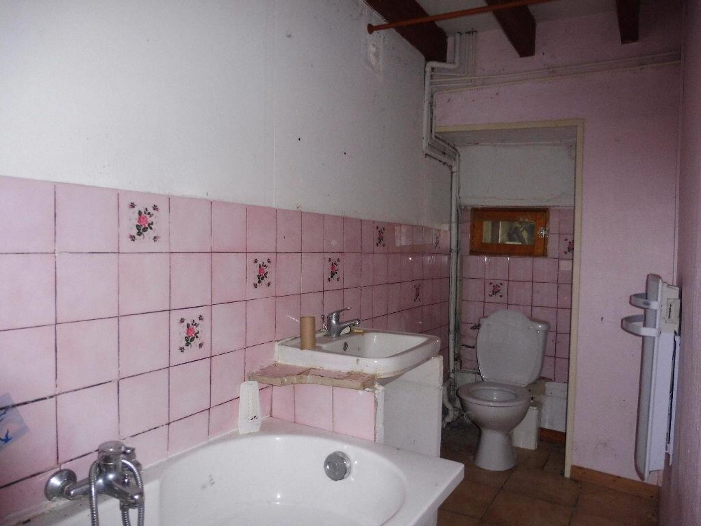 Maison à vendre 4 60m2 à Roumazières-Loubert vignette-4