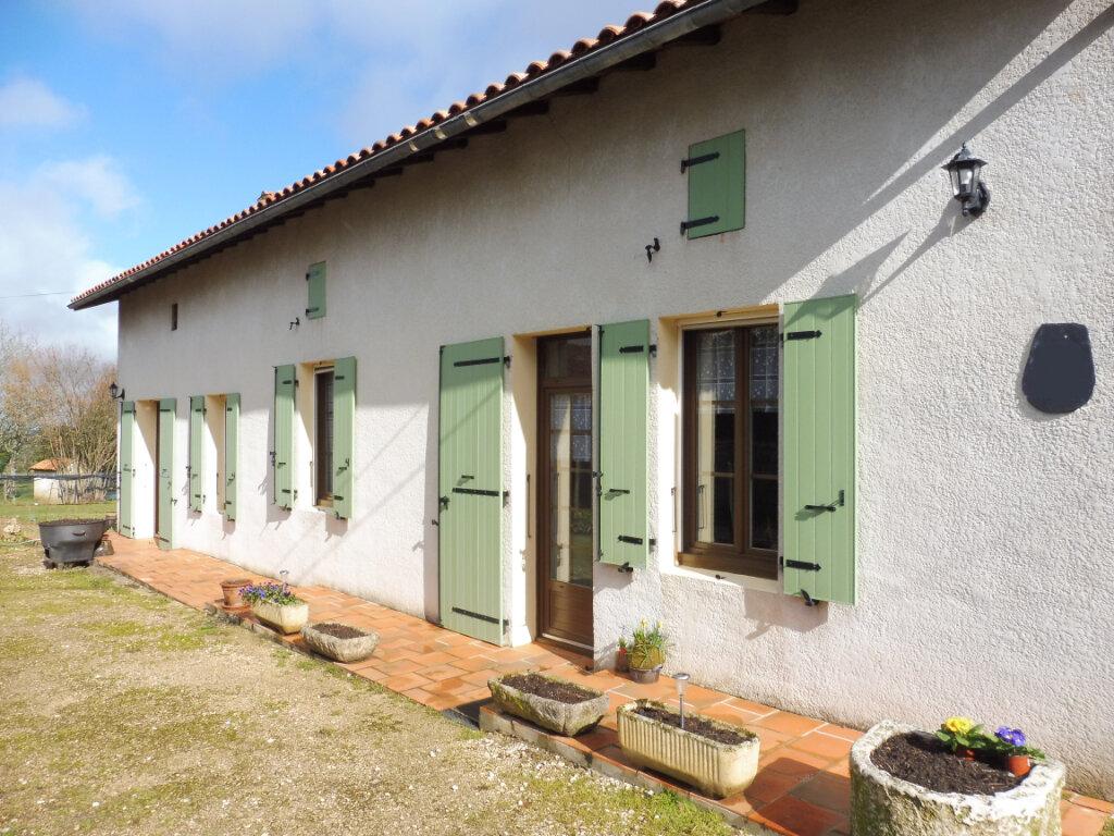 Maison à vendre 5 130m2 à Yvrac-et-Malleyrand vignette-1