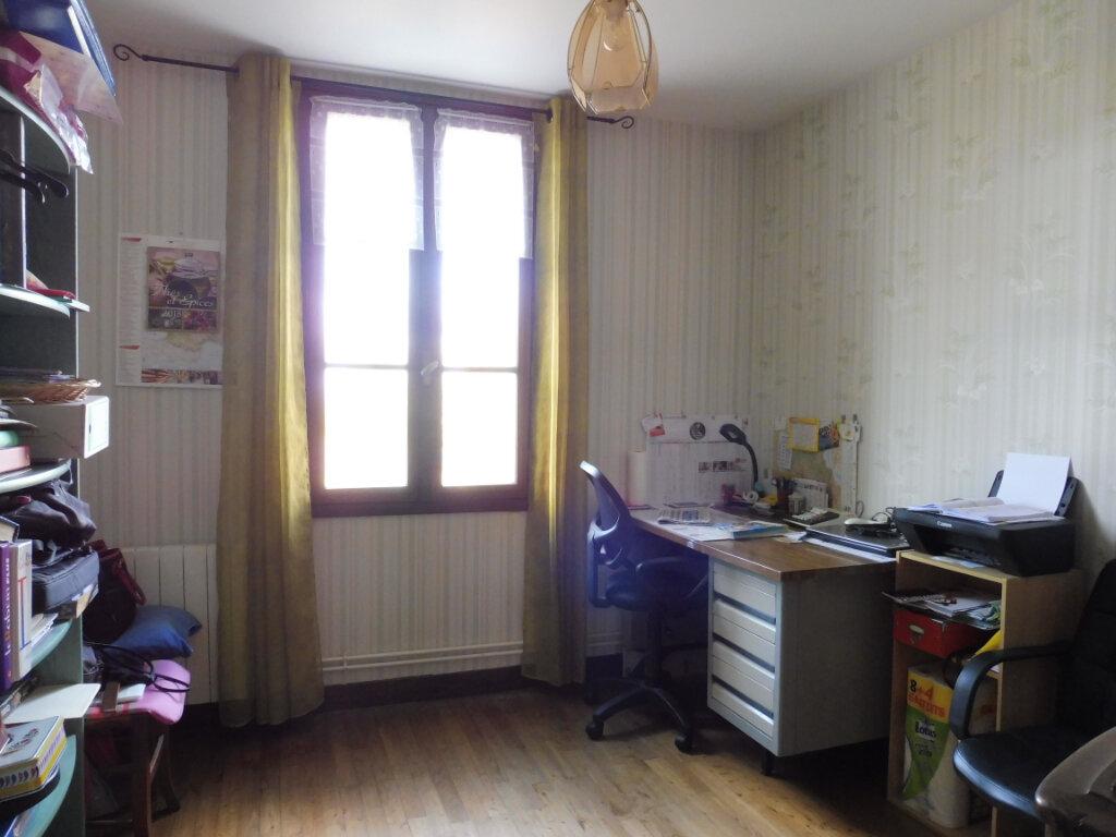 Maison à vendre 5 130m2 à Yvrac-et-Malleyrand vignette-8