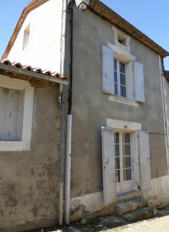 Maison à vendre 3 55m2 à Montbron vignette-1