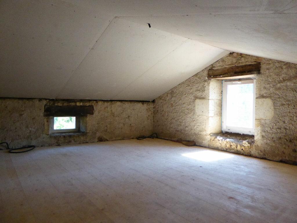 Maison à vendre 3 55m2 à Montbron vignette-4
