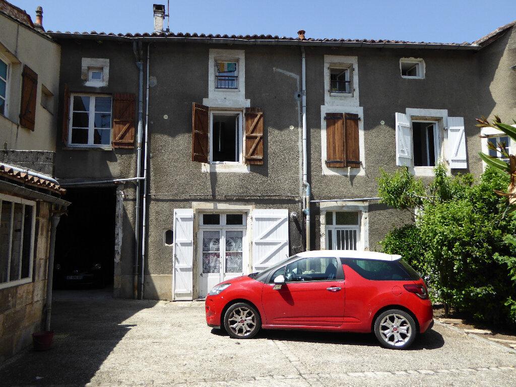 Maison à vendre 14 340m2 à La Rochefoucauld vignette-2