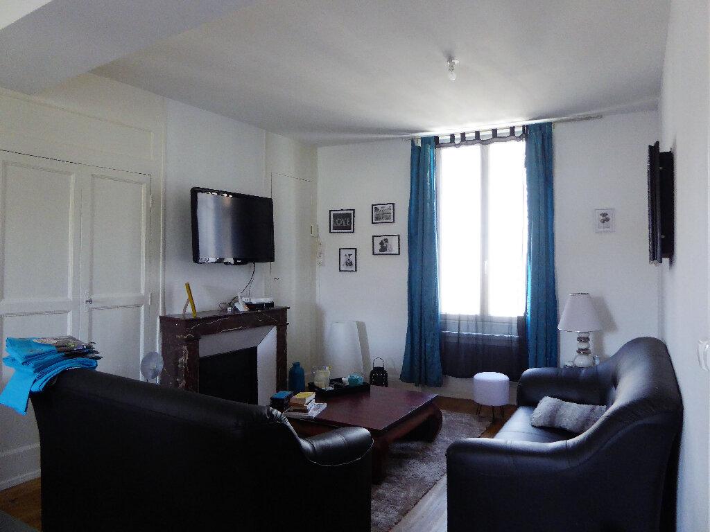 Maison à vendre 14 340m2 à La Rochefoucauld vignette-3