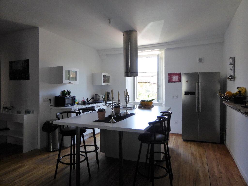 Maison à vendre 14 340m2 à La Rochefoucauld vignette-4