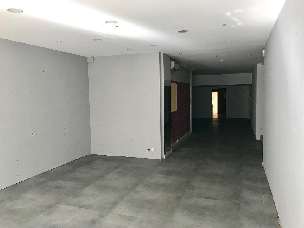 Immeuble à vendre 0 280m2 à La Rochefoucauld vignette-3
