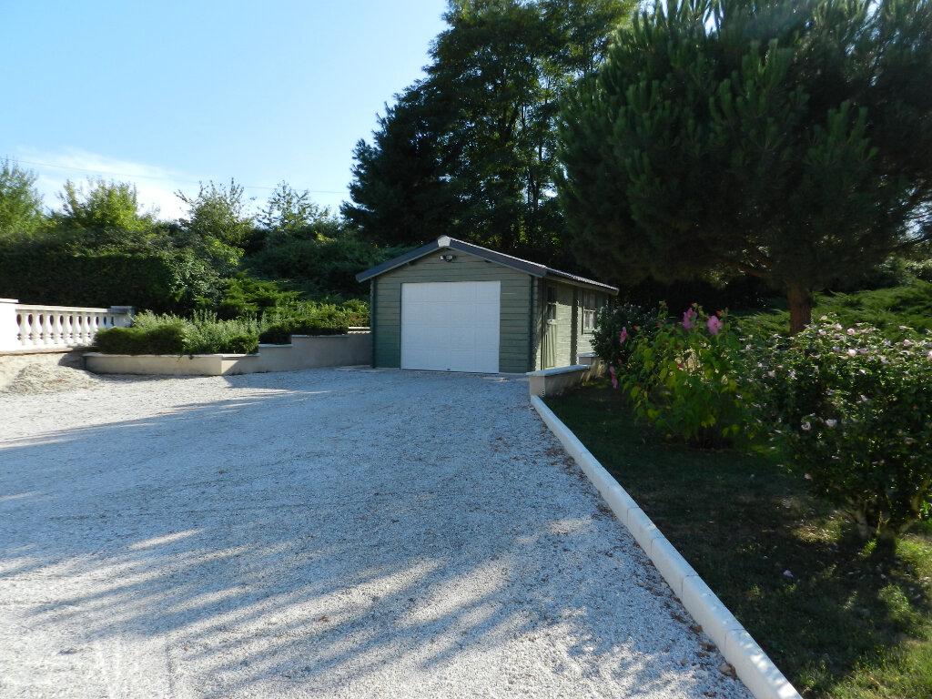 Maison à vendre 18 480m2 à Montbron vignette-14