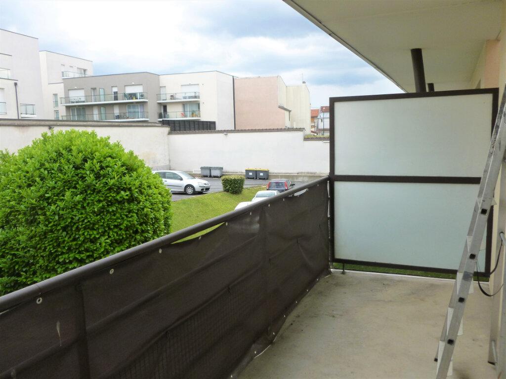 Appartement à louer 1 26.8m2 à Reims vignette-1