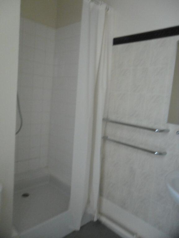 Appartement à louer 1 26.8m2 à Reims vignette-11