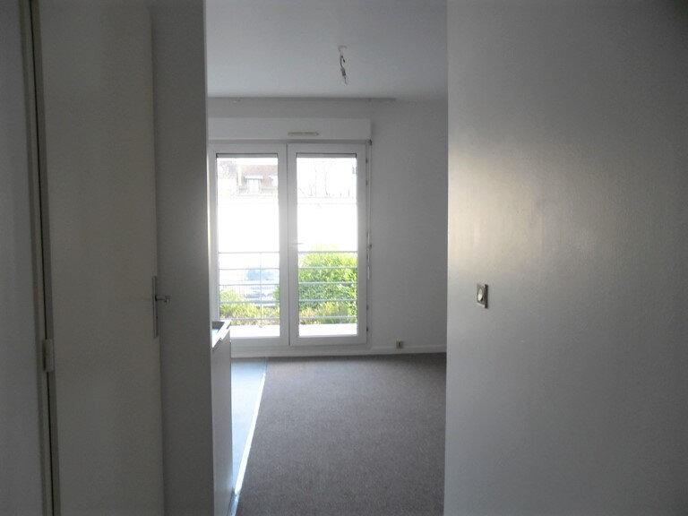 Appartement à louer 1 26.8m2 à Reims vignette-12