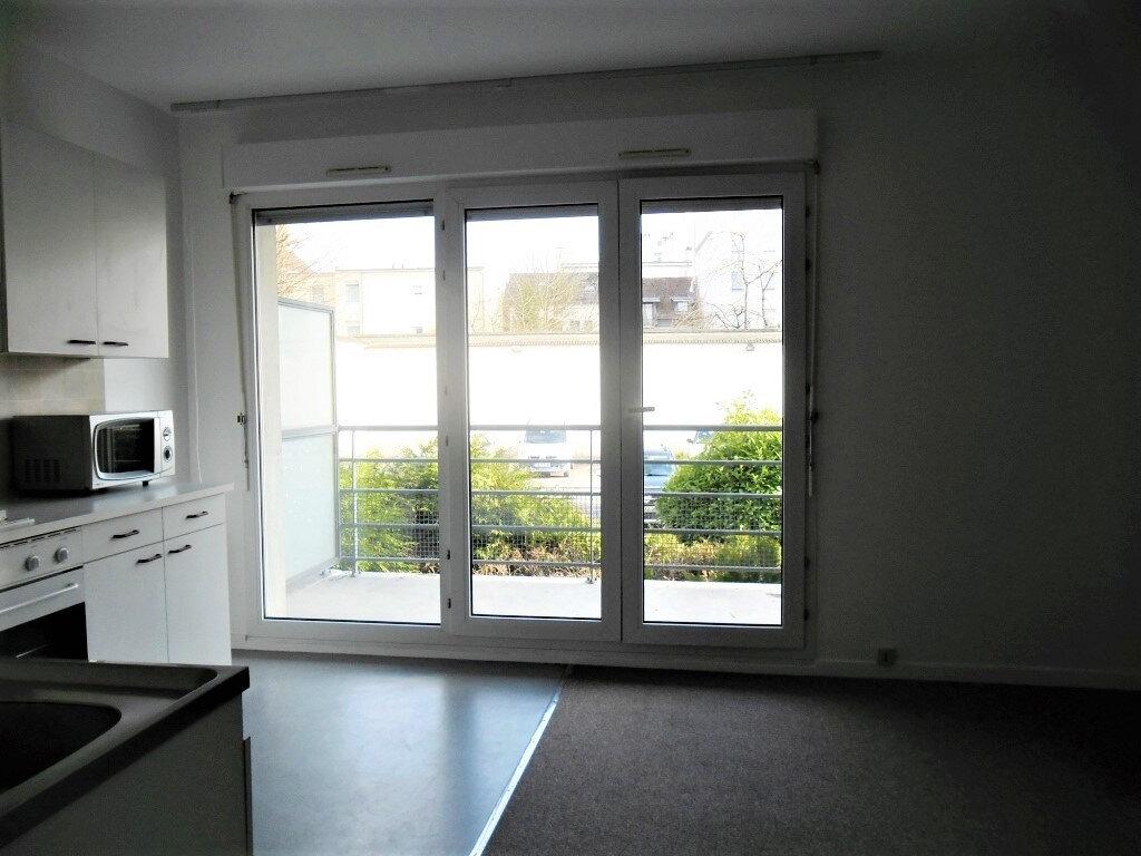 Appartement à louer 1 26.8m2 à Reims vignette-13