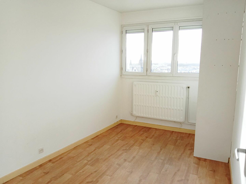 Appartement à louer 2 48m2 à Reims vignette-5