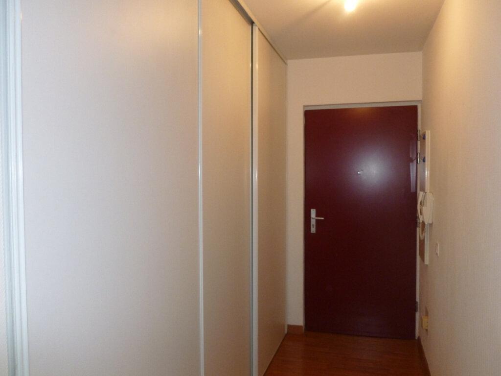 Appartement à louer 4 90.79m2 à Reims vignette-6