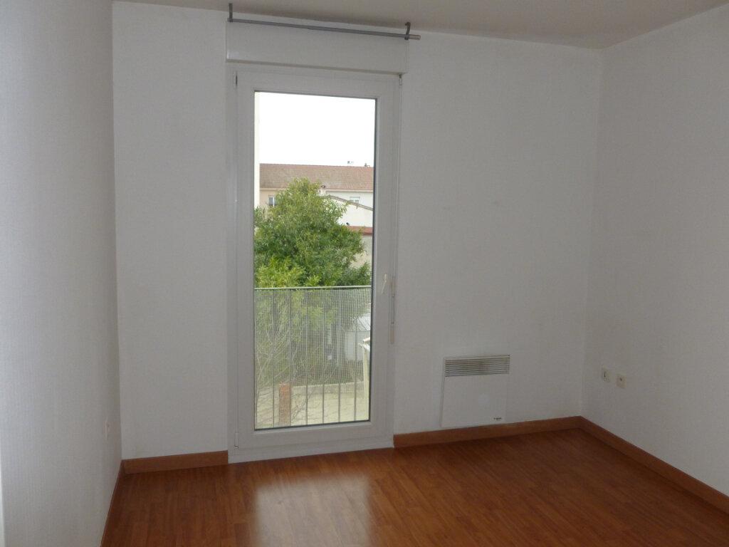 Appartement à louer 4 90.79m2 à Reims vignette-8