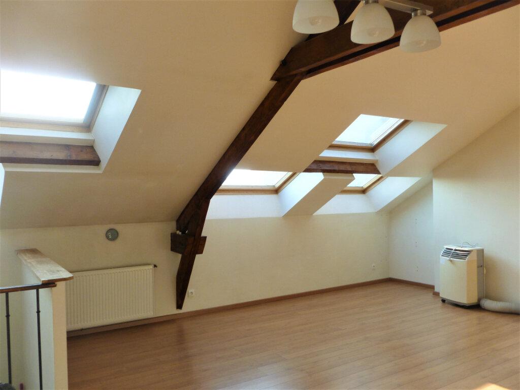 Appartement à louer 2 55.76m2 à Reims vignette-5