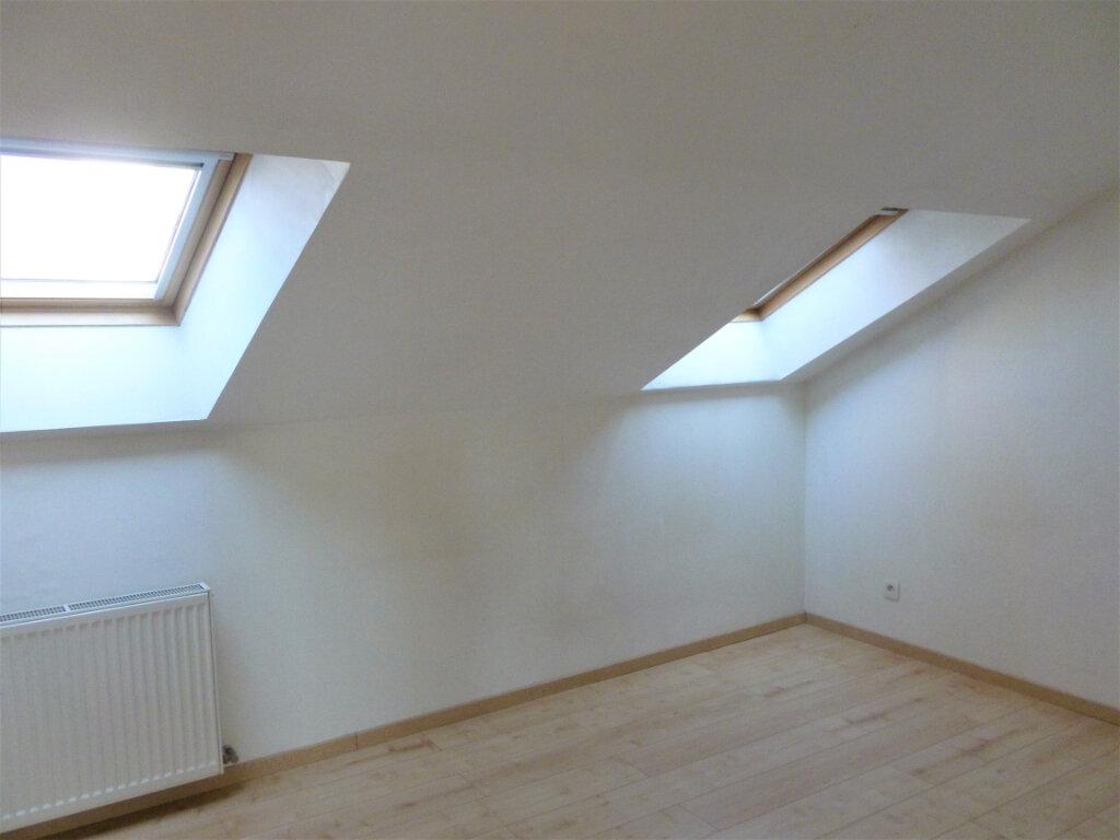 Appartement à louer 2 55.76m2 à Reims vignette-6