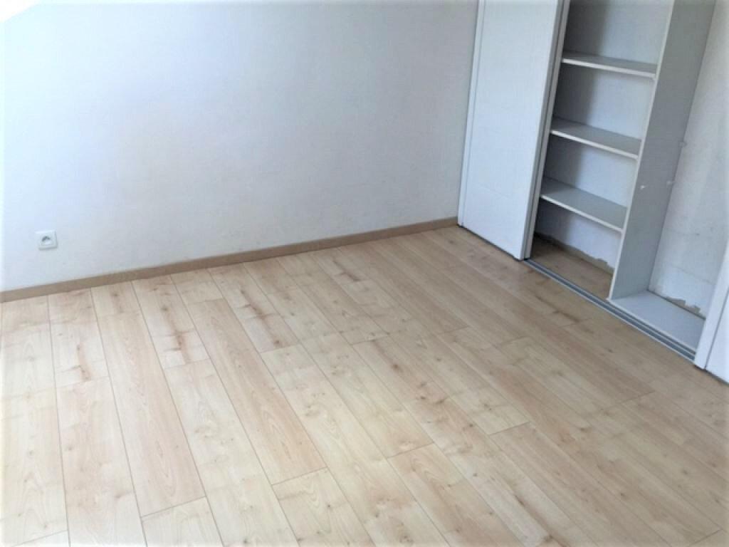 Appartement à louer 2 55.76m2 à Reims vignette-10